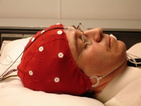 Martin Alvaro as researcher and volunteer in the research on the functionality of brain waves.